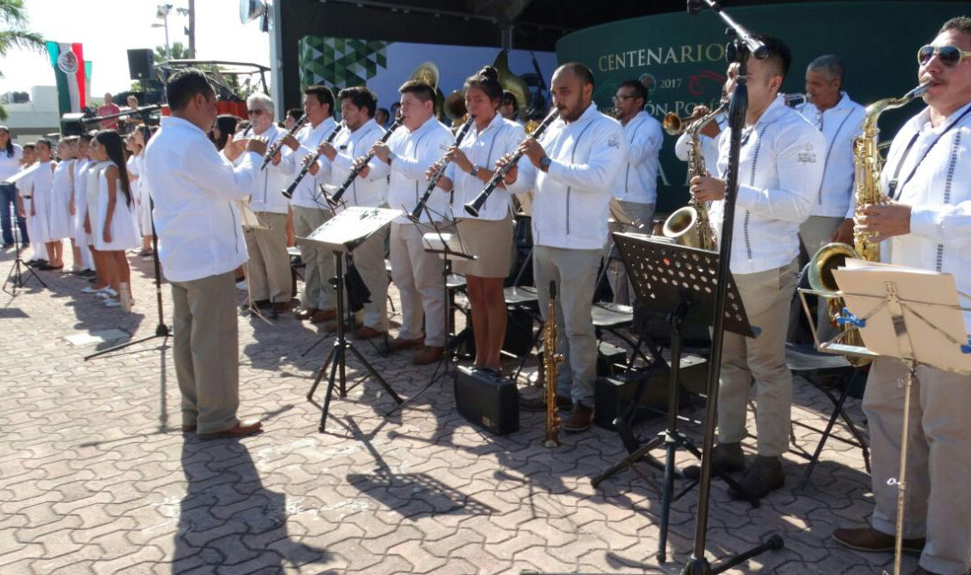 La Banda de Música del Gobierno del Estado se presentó en Playa del Carmen