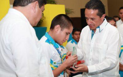 ((FOTOS)) Mensaje del Gobernador Carlos Joaquín durante la entrega del Premio Estatal del Deporte 2017 y Estímulos Económicos a Medallistas.