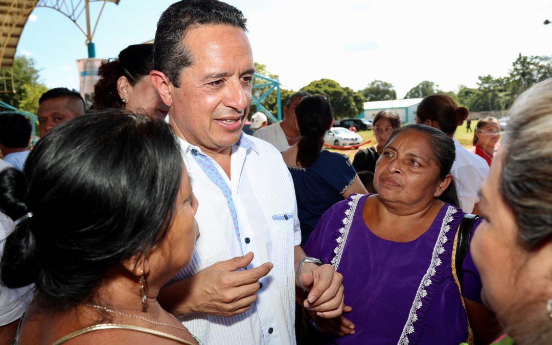 Familias mayas estarán más saludables con estufas ecológicas ahorradoras de leña: Carlos Joaquín