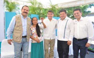 La Sedeso entrega 30 casas dignas a familias rurales