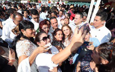 Impulsamos el desarrollo profesional de las mujeres trabajadoras: Carlos Joaquín