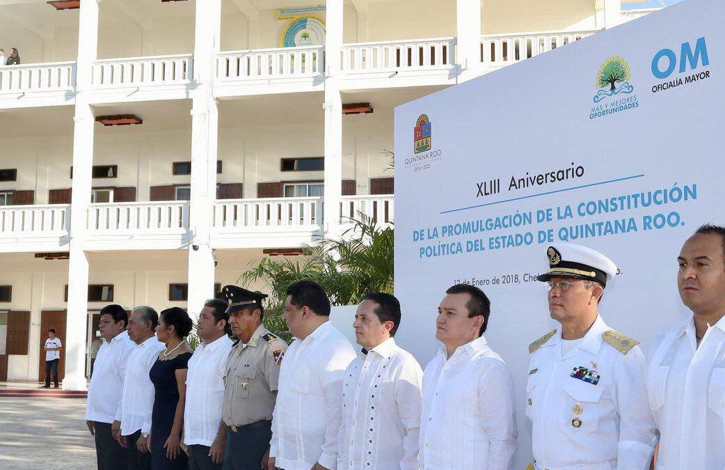 ((VIDEO)) El Gobernador Carlos Joaquín encabeza la Ceremonia de Izamiento de la Bandera del Estado de Quintana Roo con motivo del XLIII Aniversario de la Promulgación de la Constitución Política del Estado