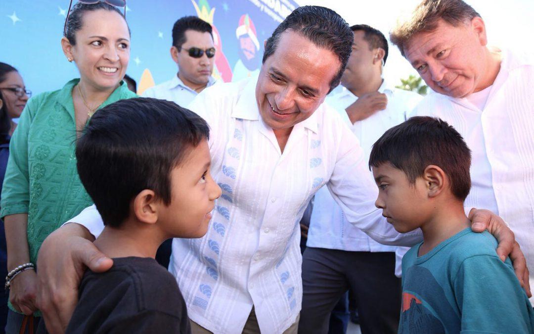 ((VIDEO)) Mensaje del Gobernador Carlos Joaquín durante el tradicional Corte de Rosca de Reyes en Chetumal.