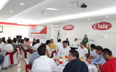 Para reforzar vínculos de trabajo, la secretaria de Desarrollo Económico se reúne con empresarios de la industria de la construcción