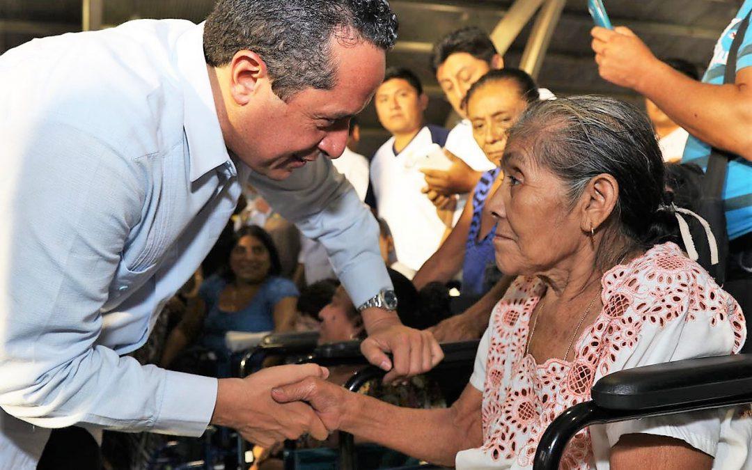 La gente vigila el correcto uso de los recursos públicos: Carlos Joaquín